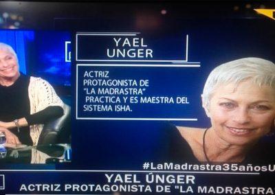 Yael Unger con el Pollo Valdivia en el programa «Algo personal» – Chile