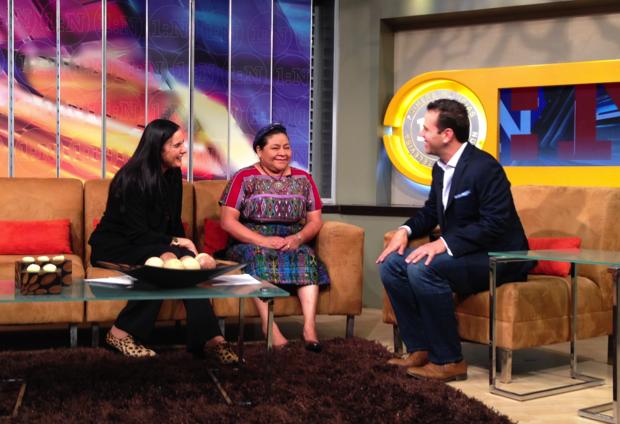 Isha y Rigoberta Menchú en Primero Noticias, Televisa, México
