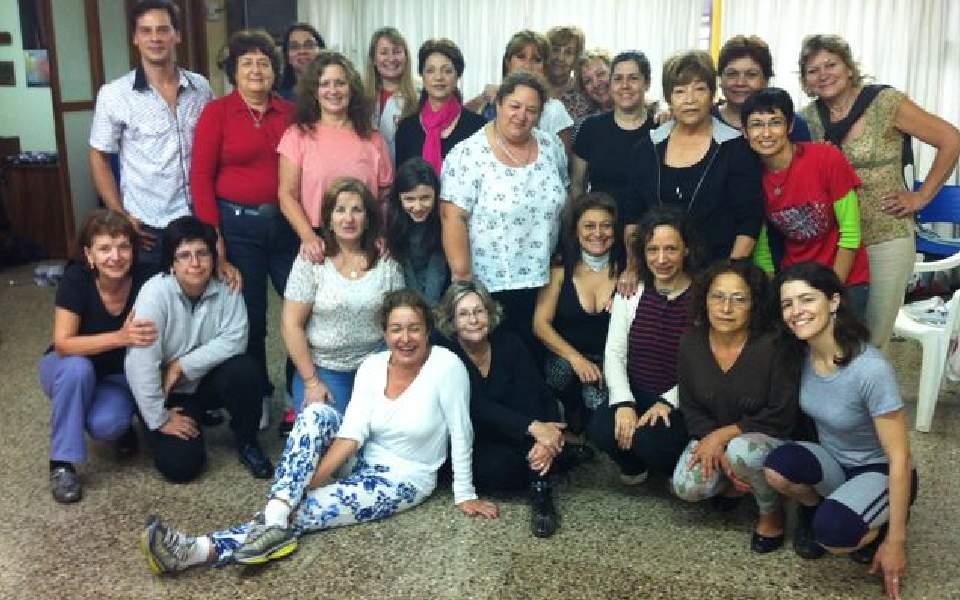 Estudiantes misiones Paraguay Encontrándose con Isha
